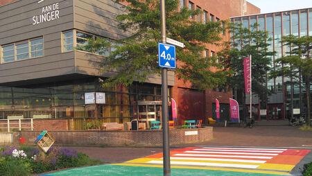 Houten heeft een regenboogzebrapad!