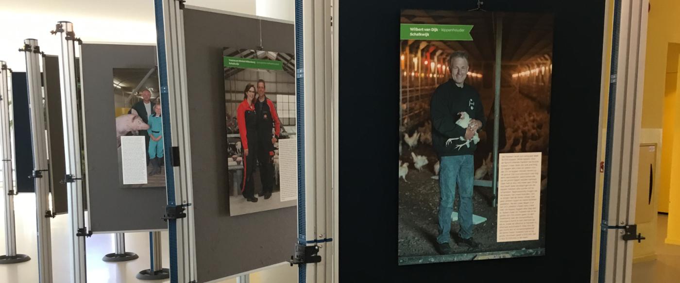 Portretten Houtense boeren nu te zien in Gemeentehuis