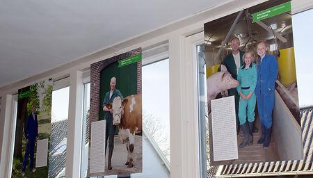Portretten van Houtense boeren nu te zien op basisschool De Boogerd